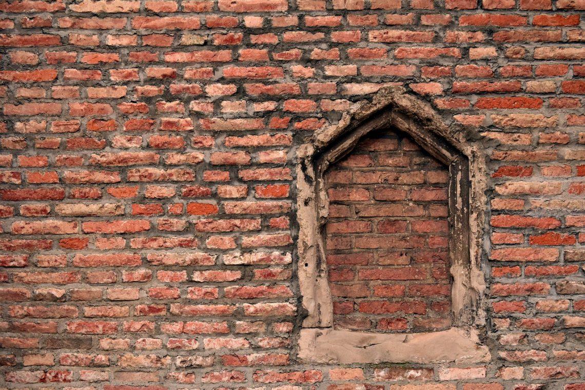 Nie spędzaj czasu waląc głową w mur