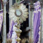 Msza i adoracja - dwa fundamenty