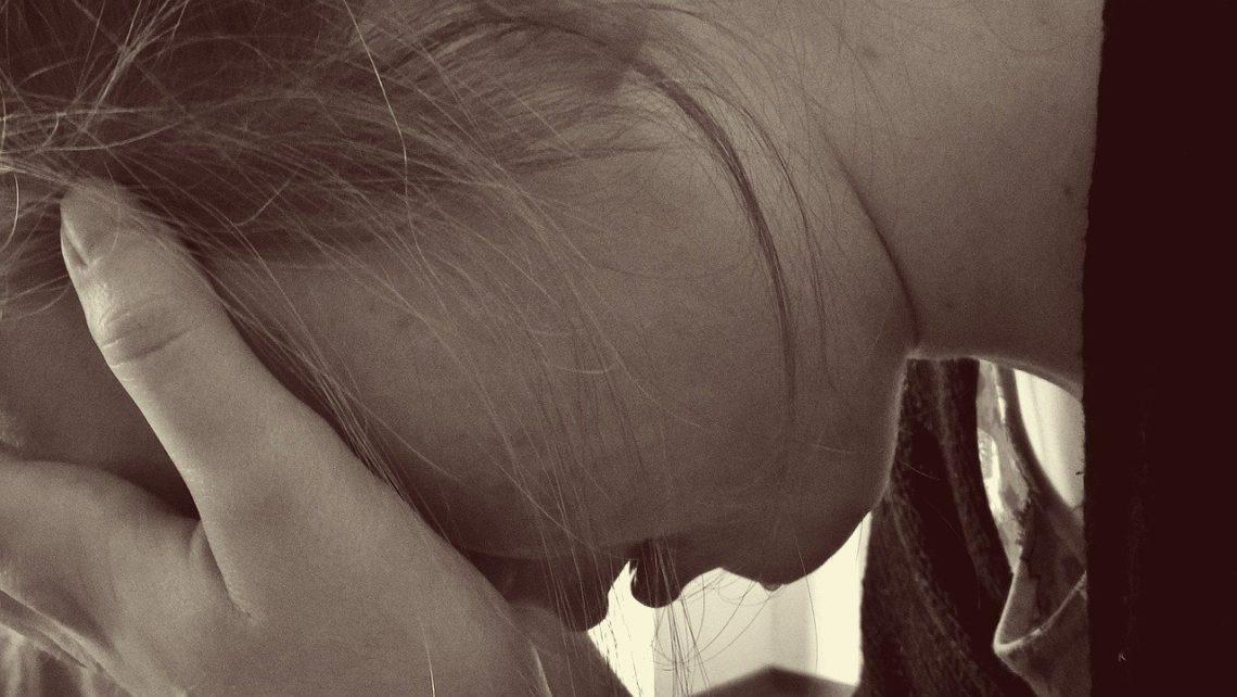 Im bardziej osoba cierpiąca koncentruje się na symptomach…