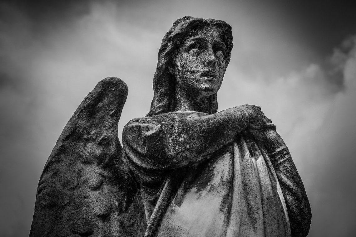 Nagle pojął, że nie tylko nie jest Aniołem