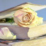 Żyje poezją, której nie umie napisać