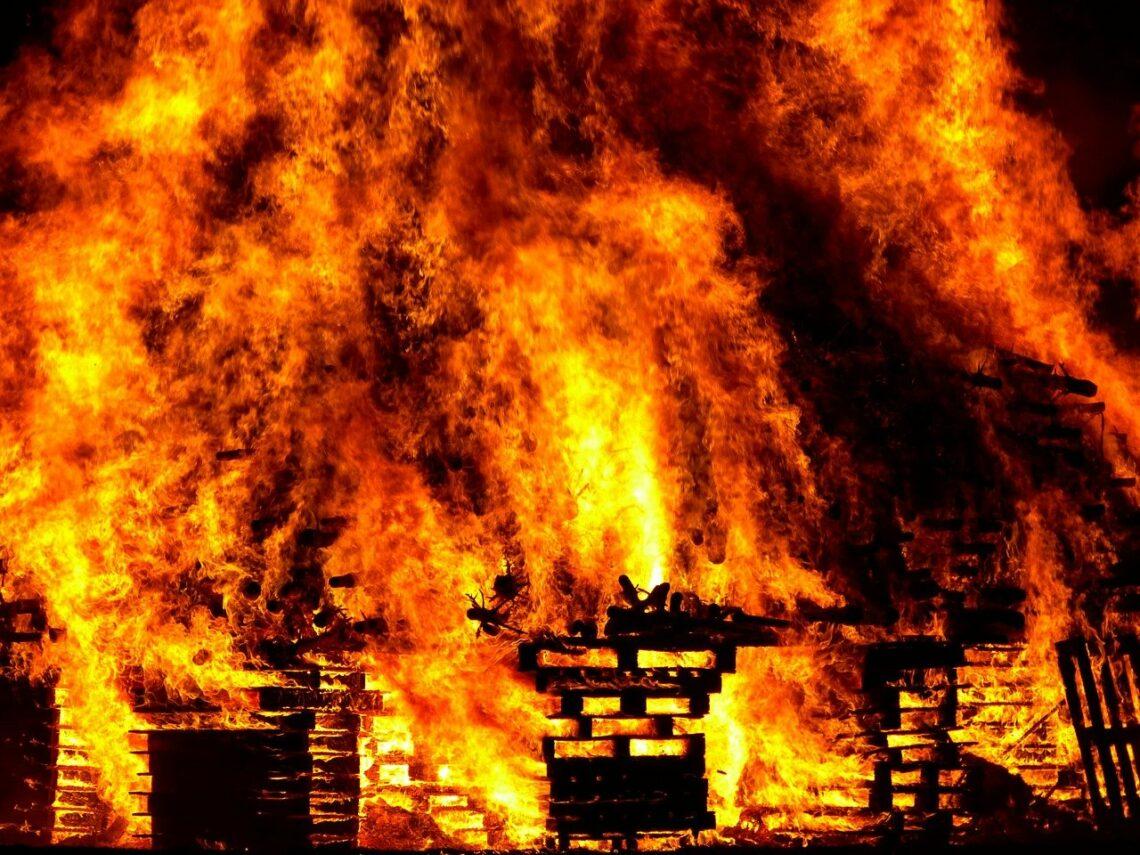 Iskierka może rozpalić płomień