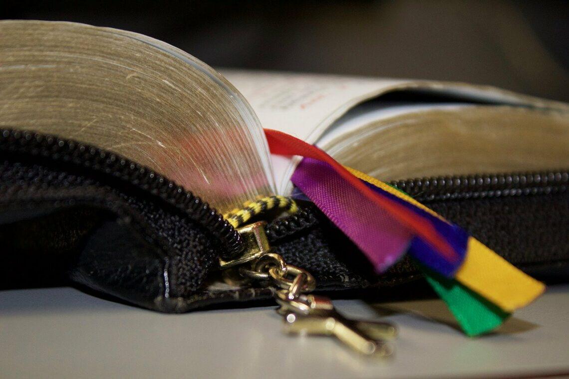 W Liturgii Godzin Kościół spełnia kapłański urząd Chrystusa