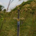 Znajdź miecz, co był złamany
