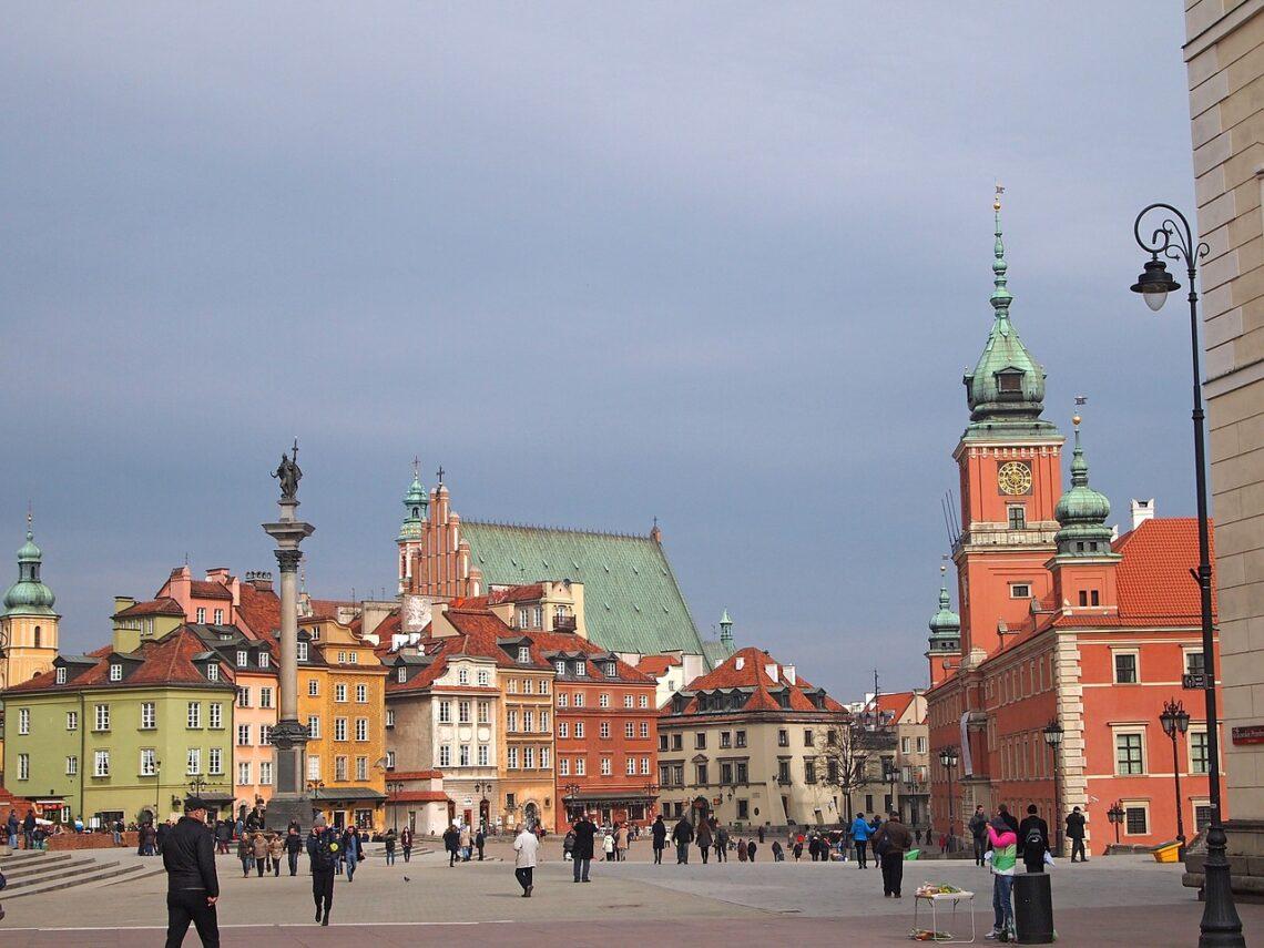 Po Warszawie, okrytej krwią